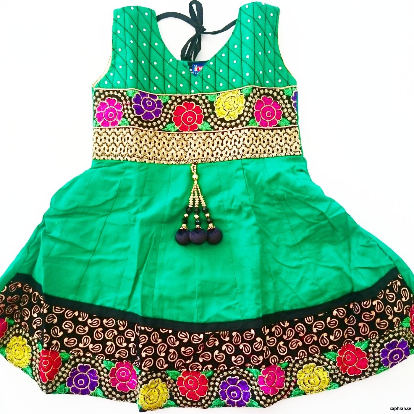 Indisk barnklänning jul Anna Grön
