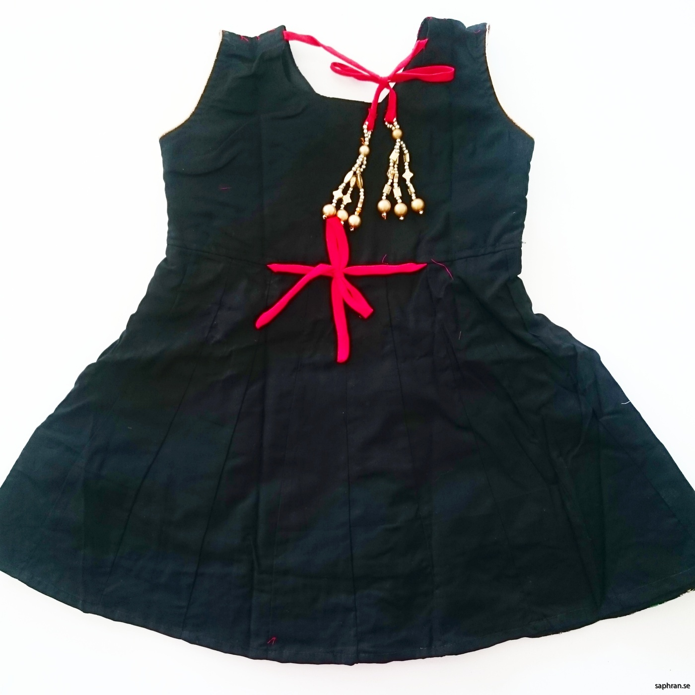 Indisk nyåsklänning Anna Svart bak