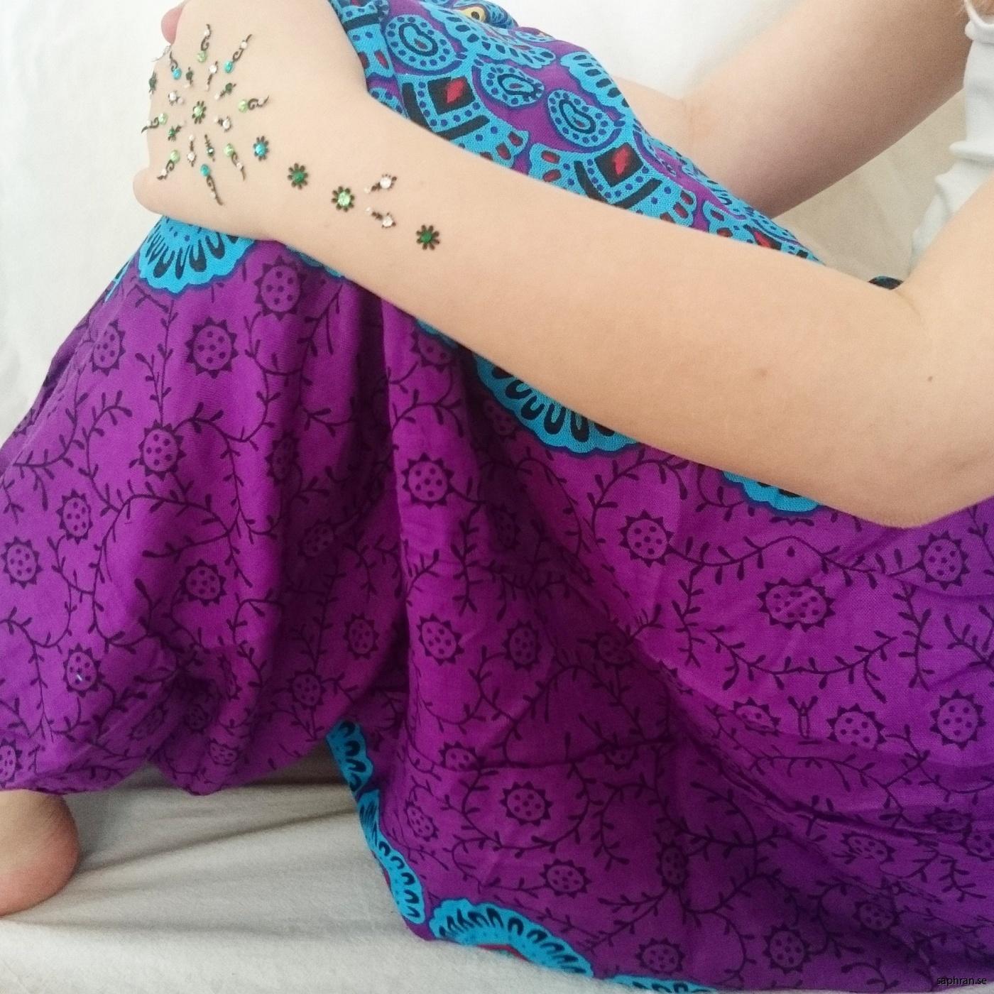 Yoga, dans eller mysbyxa hemma. Man kan använda Haremsbyxor till allt. Direktimporterat från Indien