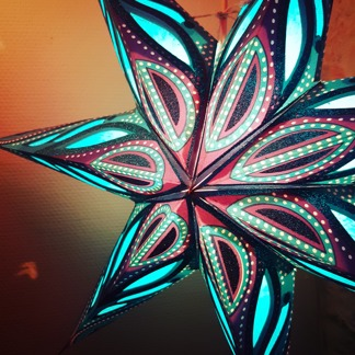 Turkos julstjärna i kitschig Indisk/Orientalisk stil - Turkos julstjärna