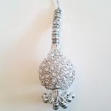 Silvriga dekorations tassels/toffsar