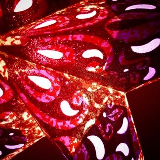 Glittrig färgglad julstjärna/adventsstjärna - RÖDROSA - Rödrosa julstjärna