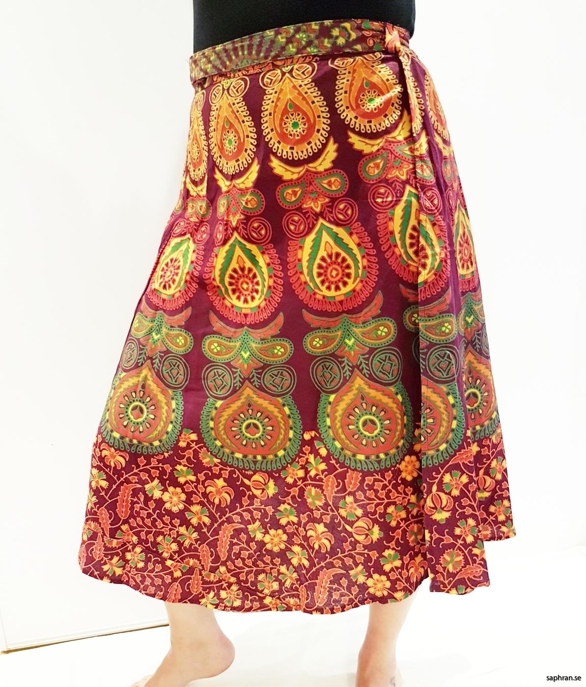 Färgglad kjol med mönster från Indien