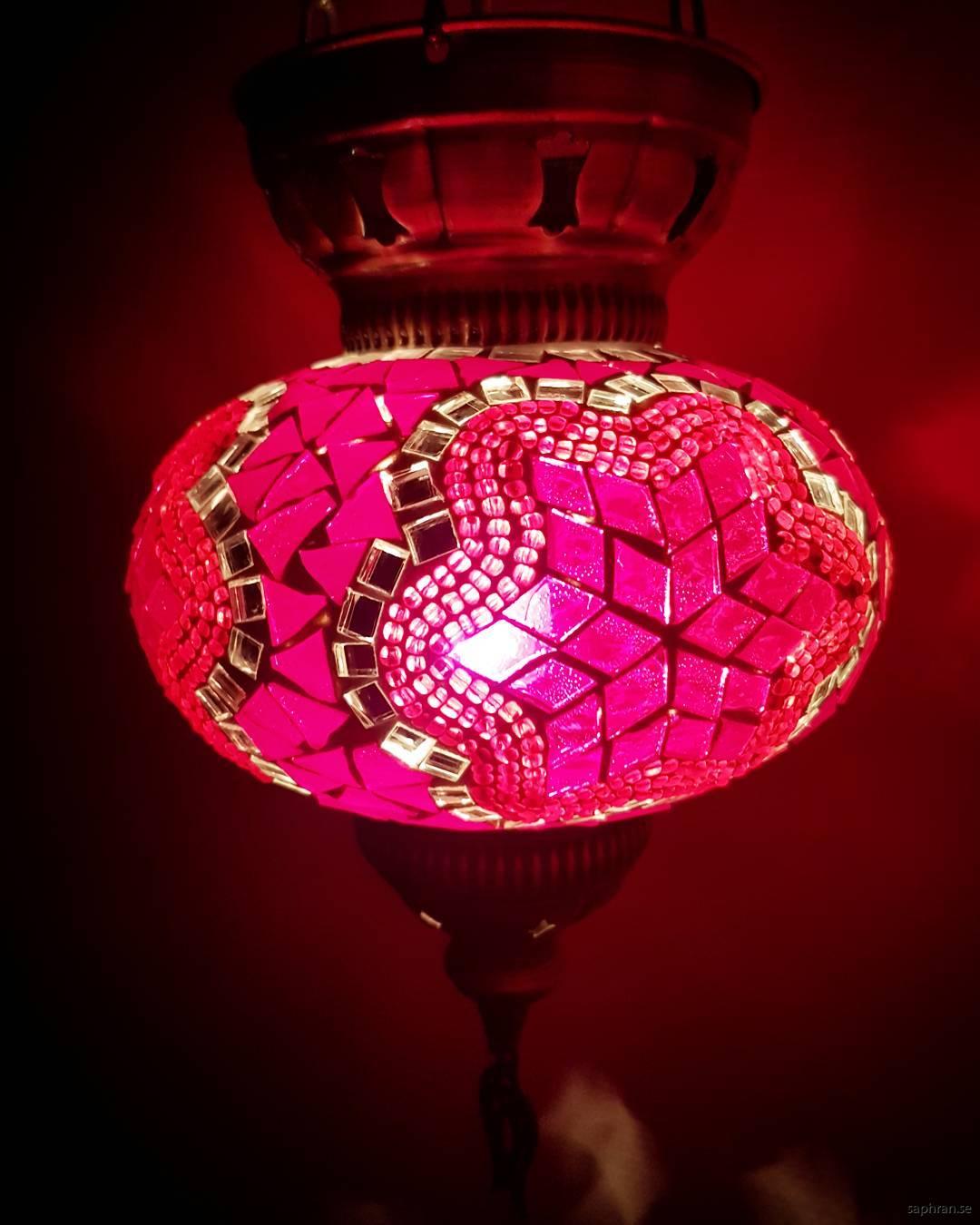 Orientalisk glaslykta röd