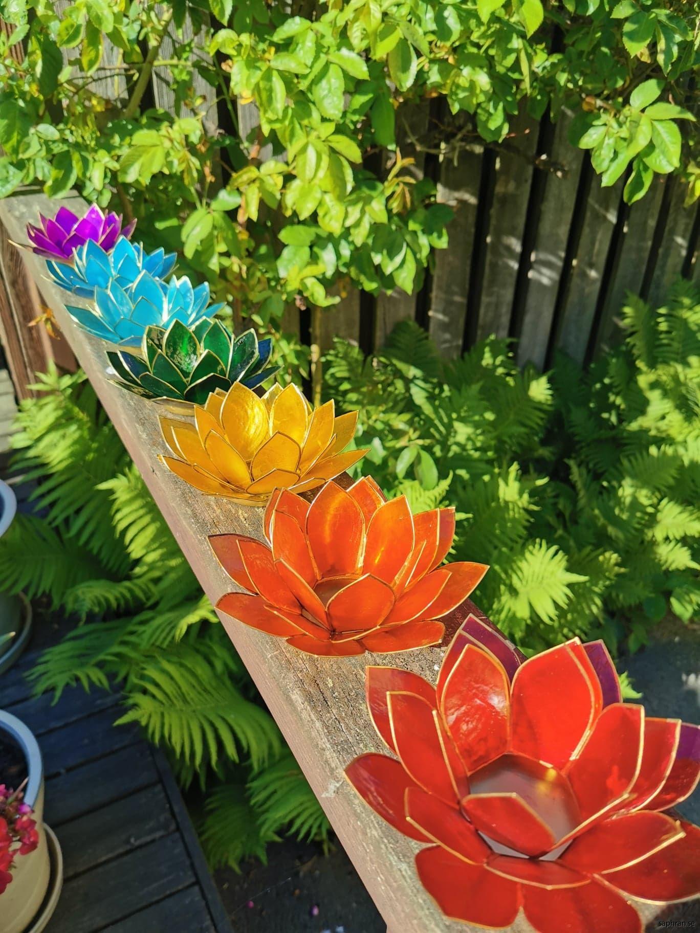 Små lotusblommor ljuslykta chakra
