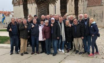 Svenska Handbollfans på sightseeing i Trogir utanför Split i samband med Handbolls-EM 2018. Foto: Jan Lindén