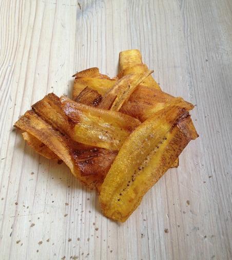 Matbananchips med rökt salt