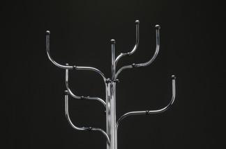 Klädhängare, Fritz Hansen Coat Tree   Hyr designmöbler