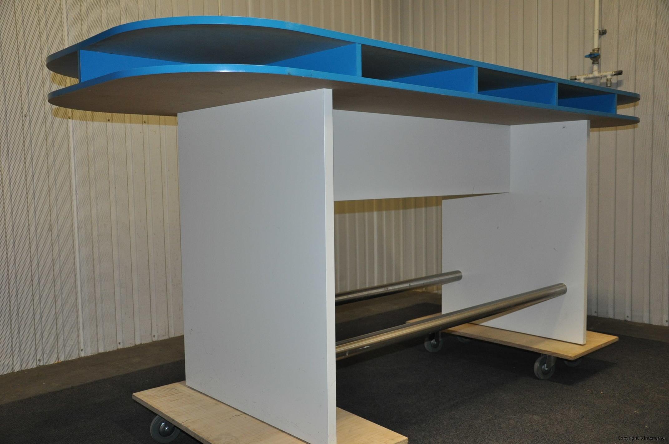 Specialbyggda ståbord - barbord (2)