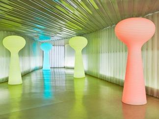 Vondom RGB LED Blom Lamp | Fjärrkontroll