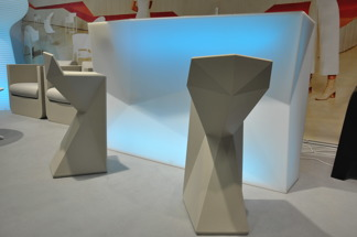 Hyra bardisk, Vondom RGB LED   Inbyggd ishink   Uppladdningsbar