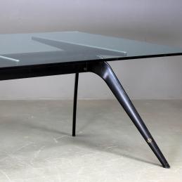 Konferensbord, Fritz Hansen T-No. 1