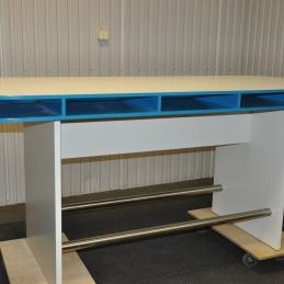 Specialbyggda ståbord/barbord   Hyra möbler