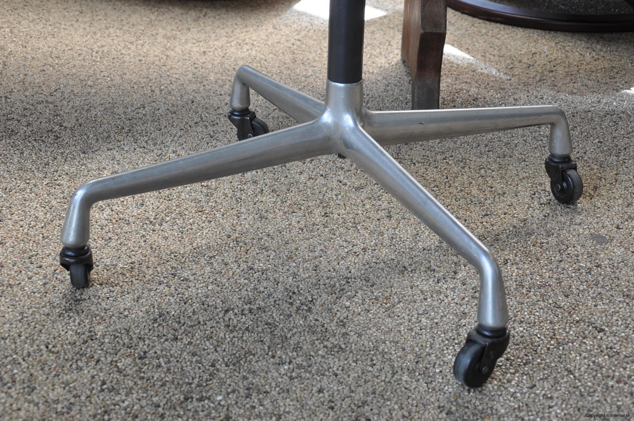 Herman Miller Rullbord Designmöbler begagnade kontorsmöbler (4)