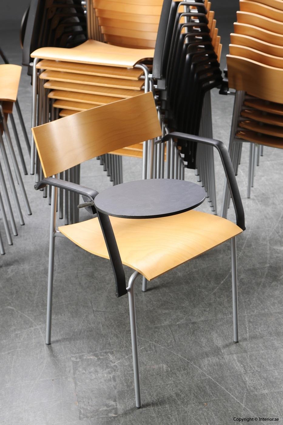 1 Stolar, Lammhults Campus med fällbar skrivplatta -Peter Hiort-Lorenzen (2)