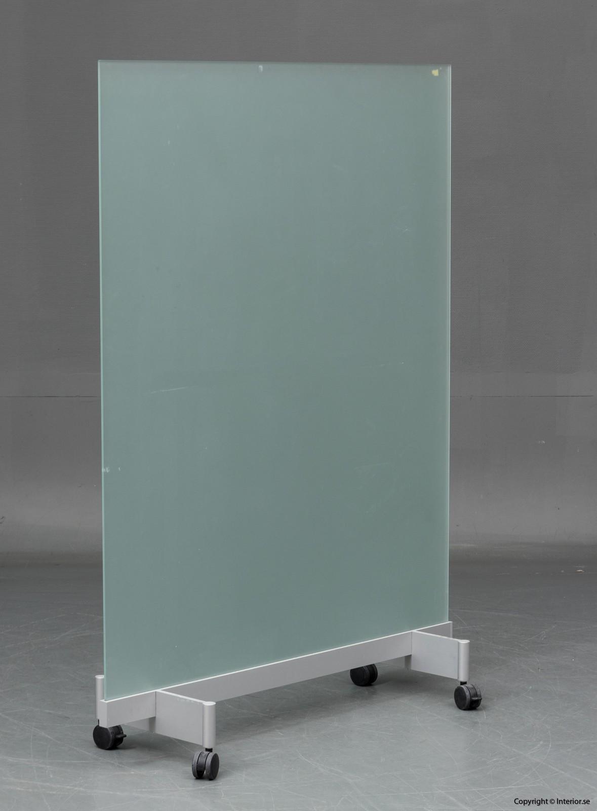 BORKS, flyttbara golvskärmväggar rumsavdelare glas och med hjul BORKS, Room Divider Space Divider with glass and casters
