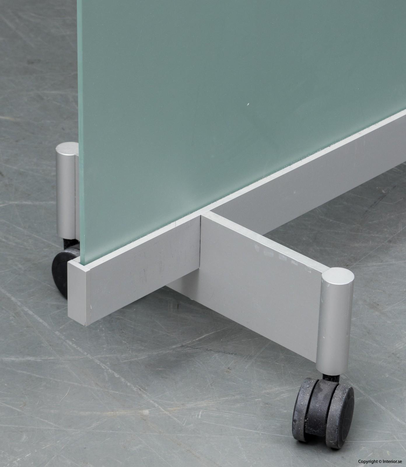 BORKS, flyttbara golvskärmväggar rumsavdelare glas och med hjul BORKS, Room Divider Space Divider with glass and casters 2