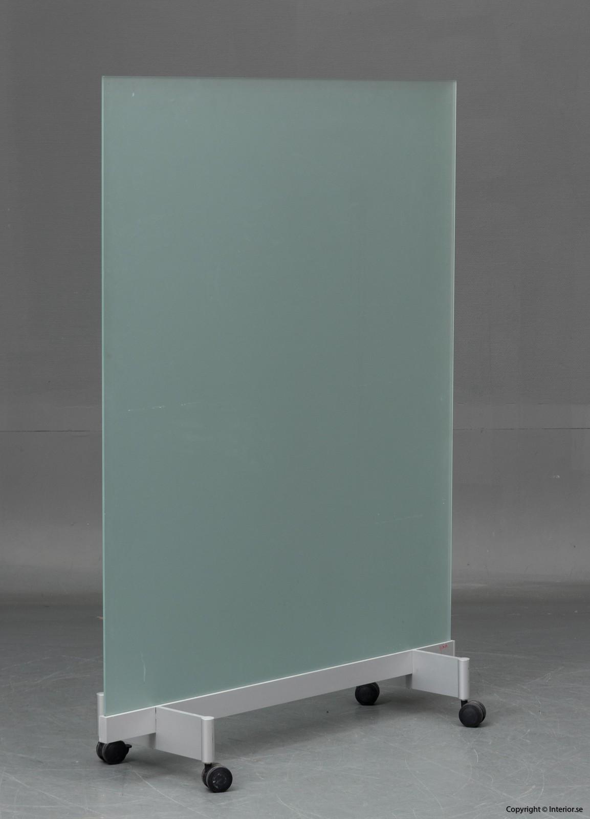 BORKS, flyttbara golvskärmväggar rumsavdelare glas och med hjul BORKS, Room Divider Space Divider with glass and casters 4