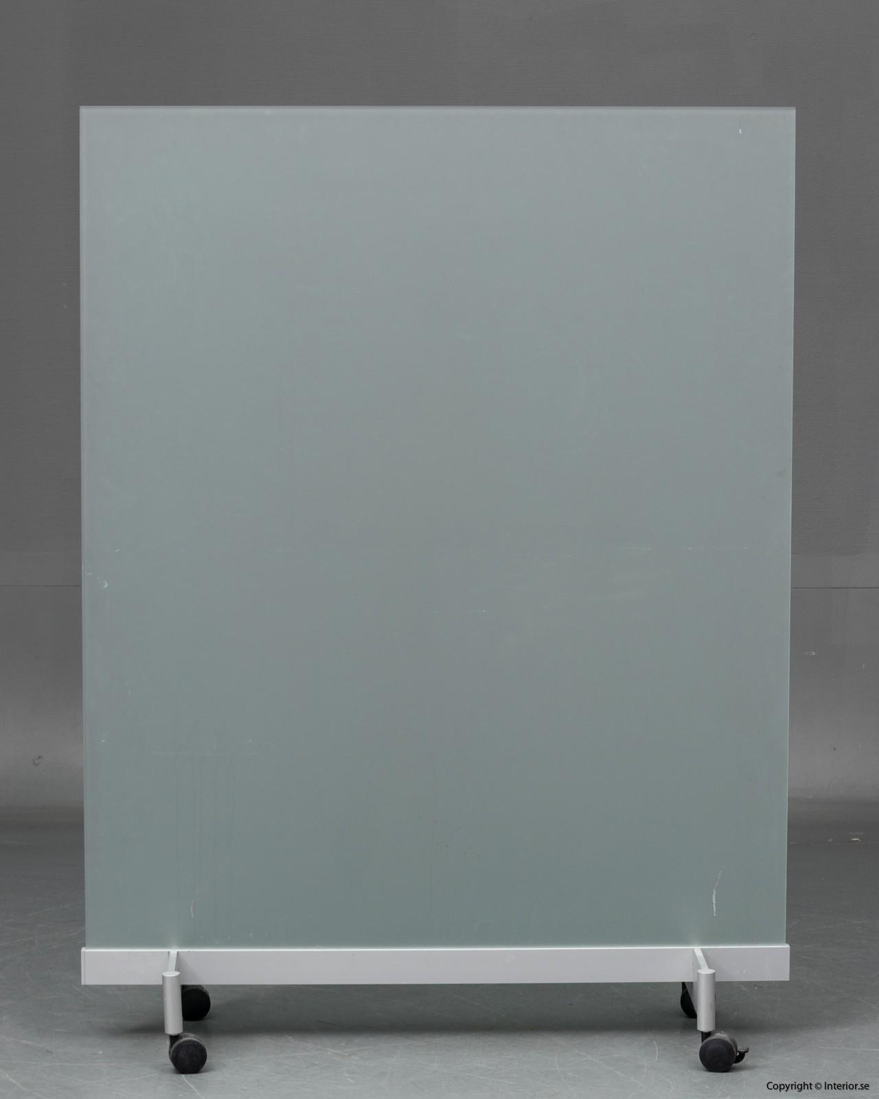 BORKS, flyttbara golvskärmväggar rumsavdelare glas och med hjul BORKS, Room Divider Space Divider with glass and casters 6