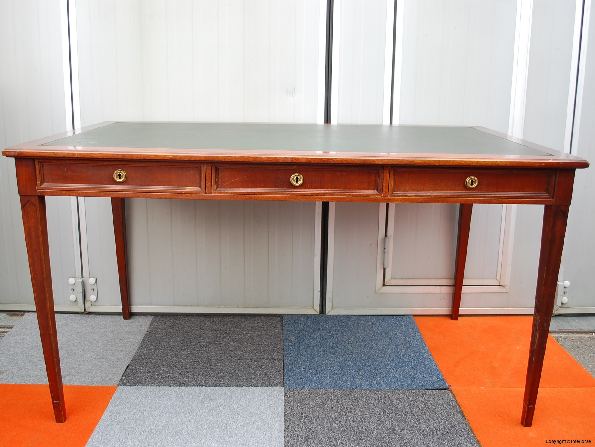 Engelskt skrivbord english working desk begagnade designmöbler stockholm sverige antikt skrivbord gammalt