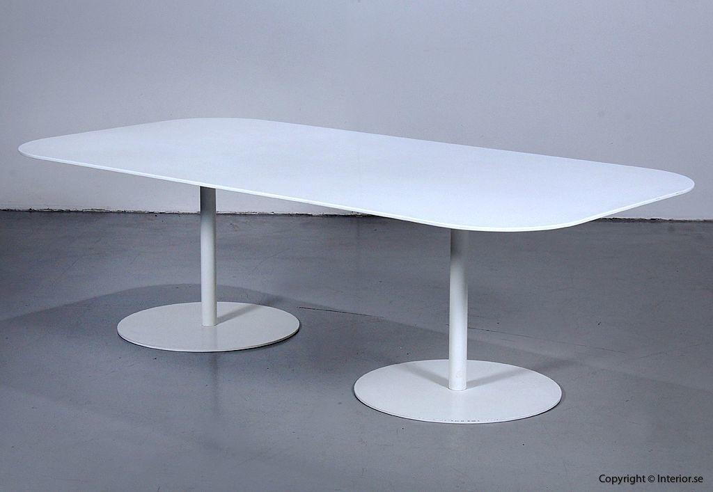 Konferensbord, Gubi Table 2.0 - Specialbeställt med Corian