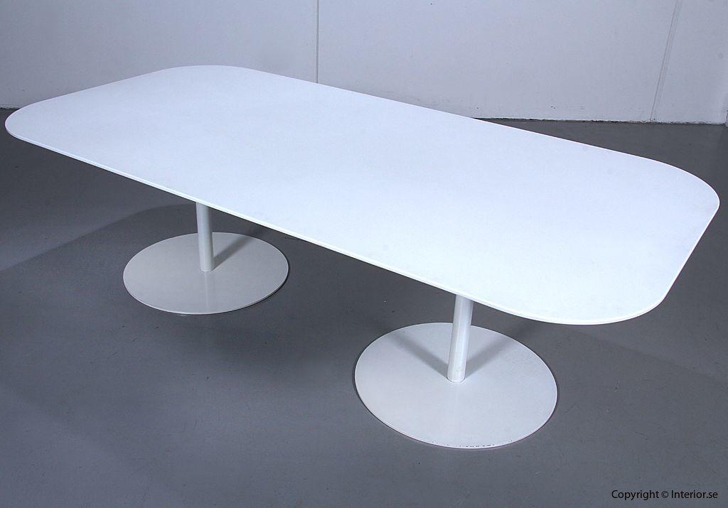 Konferensbord, Gubi Table 2.0 - Specialbeställt med Corian 2