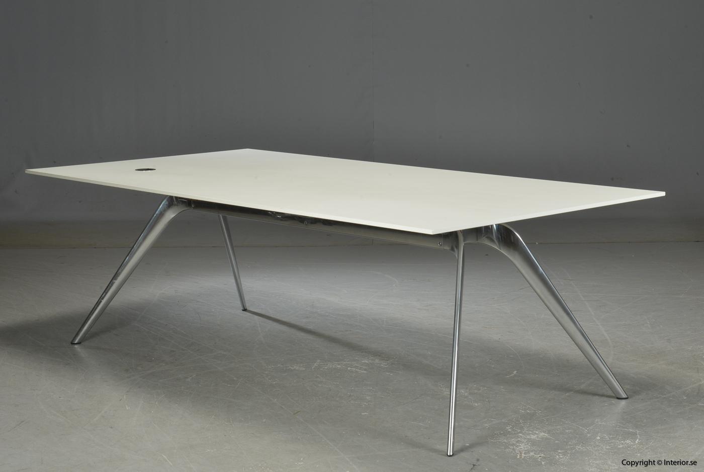 Konferensbord Matbord, Fritz Hansen Model T-N - Todd Bracher