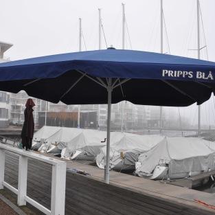 Restaurangparasoll XXL   Pripps Blå   Hyr utemöbler