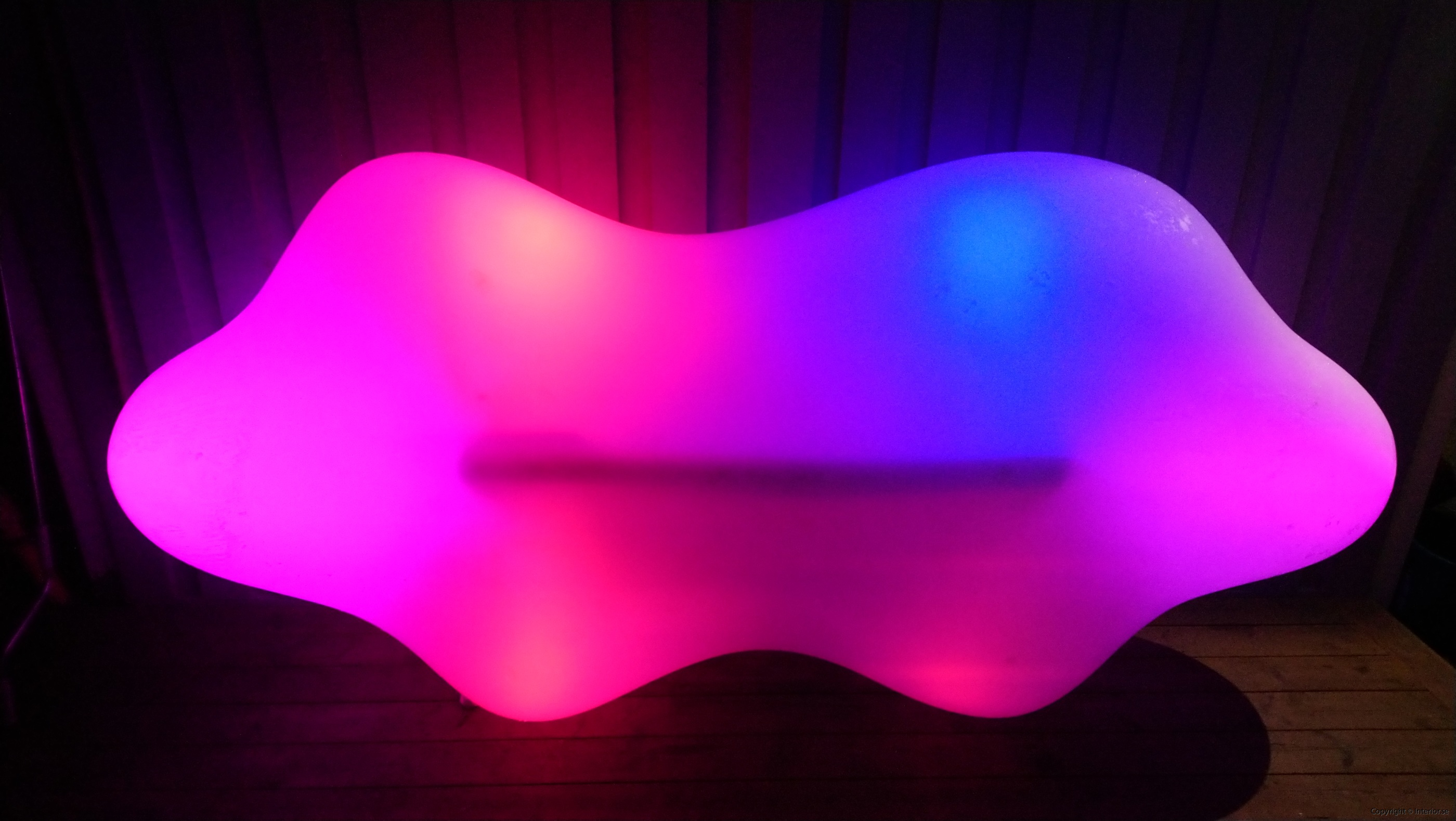 Hyr Vondom Lava Bench RGB LED möbler - Karim Rashid hyra ledmöbler hyr möbler event stockholm billigt design led (2)