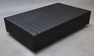 MingelPuff i svart läder
