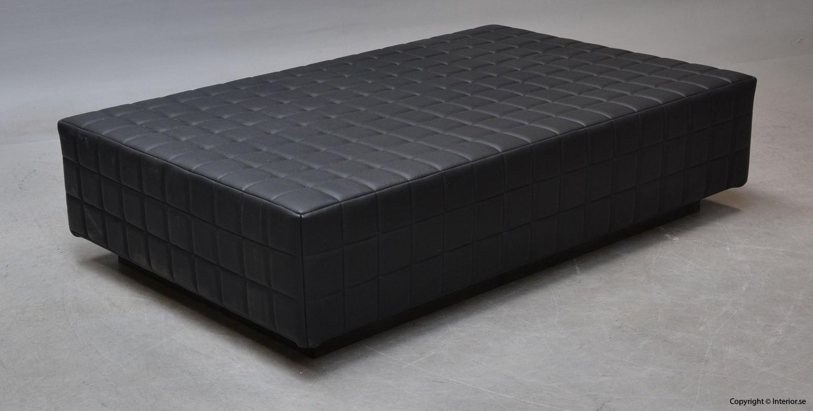 Dagsbädd i mingel svart läder hyra designmöbler begagande stockholm 3