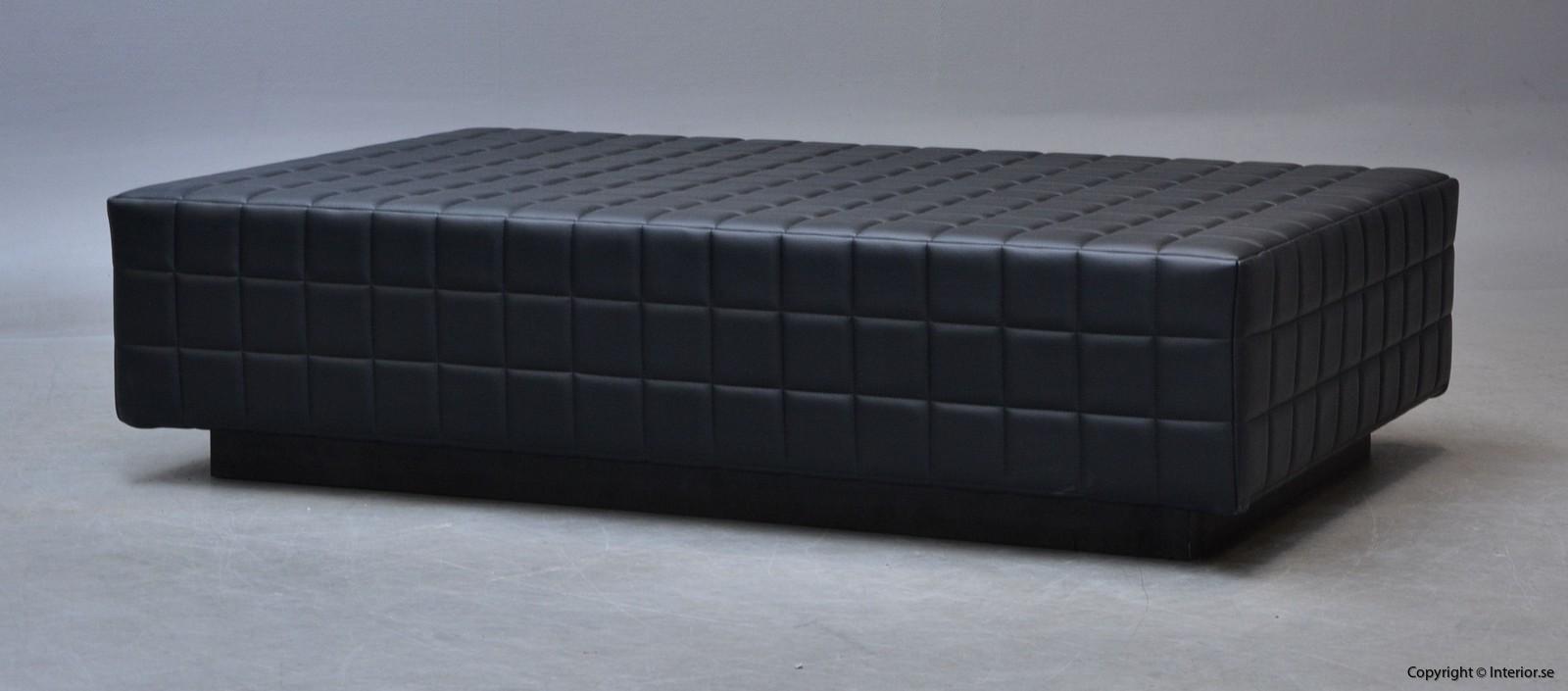 Dagsbädd i mingel svart läder hyra designmöbler begagande stockholm