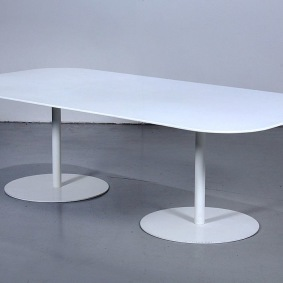 Bord, Gubi Table 2.0 - Corian