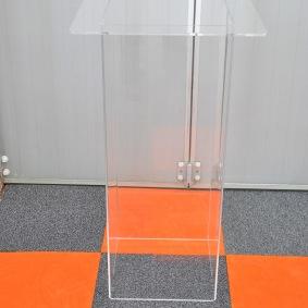 Piedestal i plexiglas