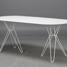 Bord, Massproductions TIO Table | Hyra designmöbler