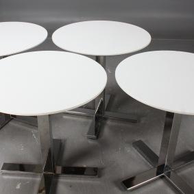 Pelarbord/Cafébord med kromad fot | Möbeluthyrning