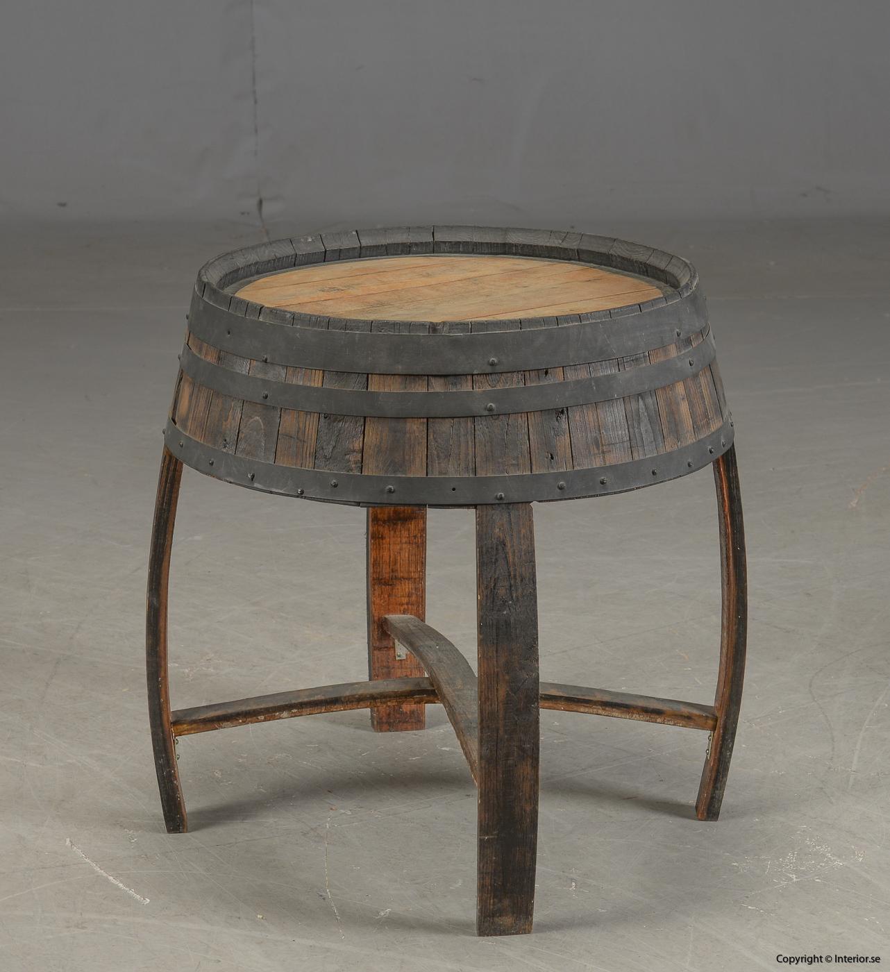 Möbler av vintunnor  wine barrels Meubels gemaakt van wijntunnels Möbel aus Weintunneln, sittpallar & bord 2
