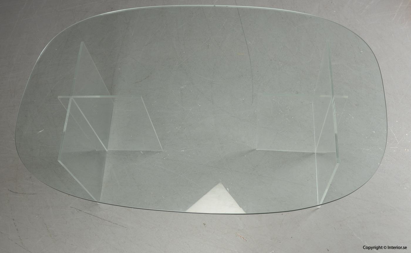 Soffbord med stativ i plexiglas & glasskiva  Coffee table with stand in plexiglass & glass plate Couchtisch mit Ständer aus Plexiglas & Glasplatte 3