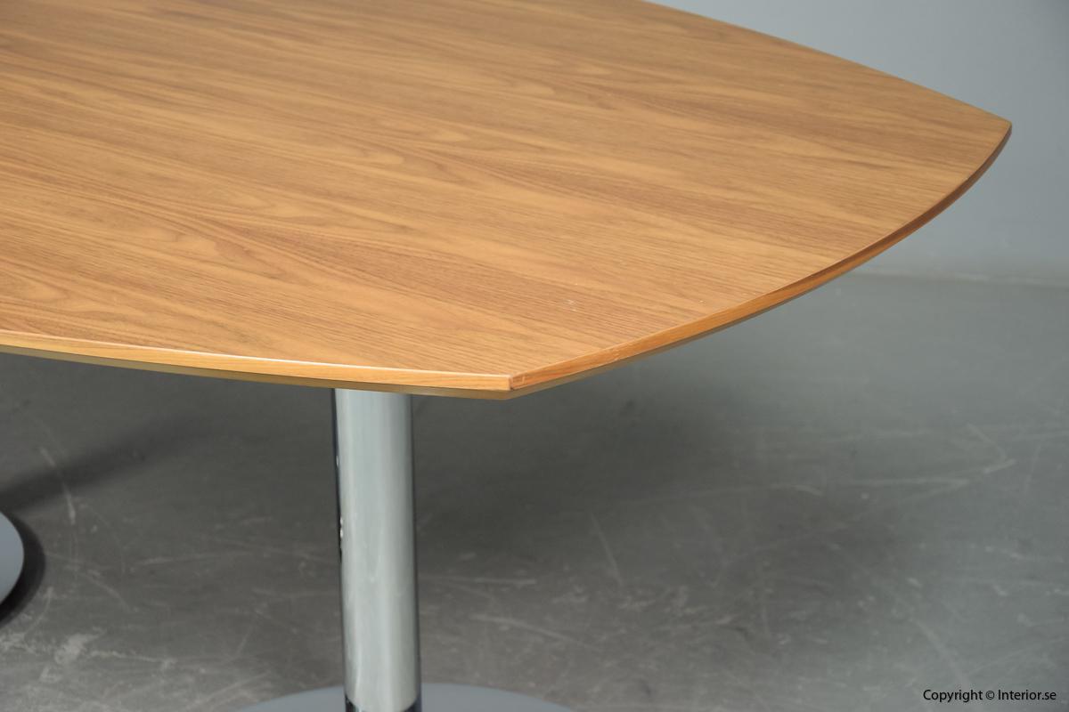 Konferensbord från HOWE i valnöt - 200 x 120 cm 44