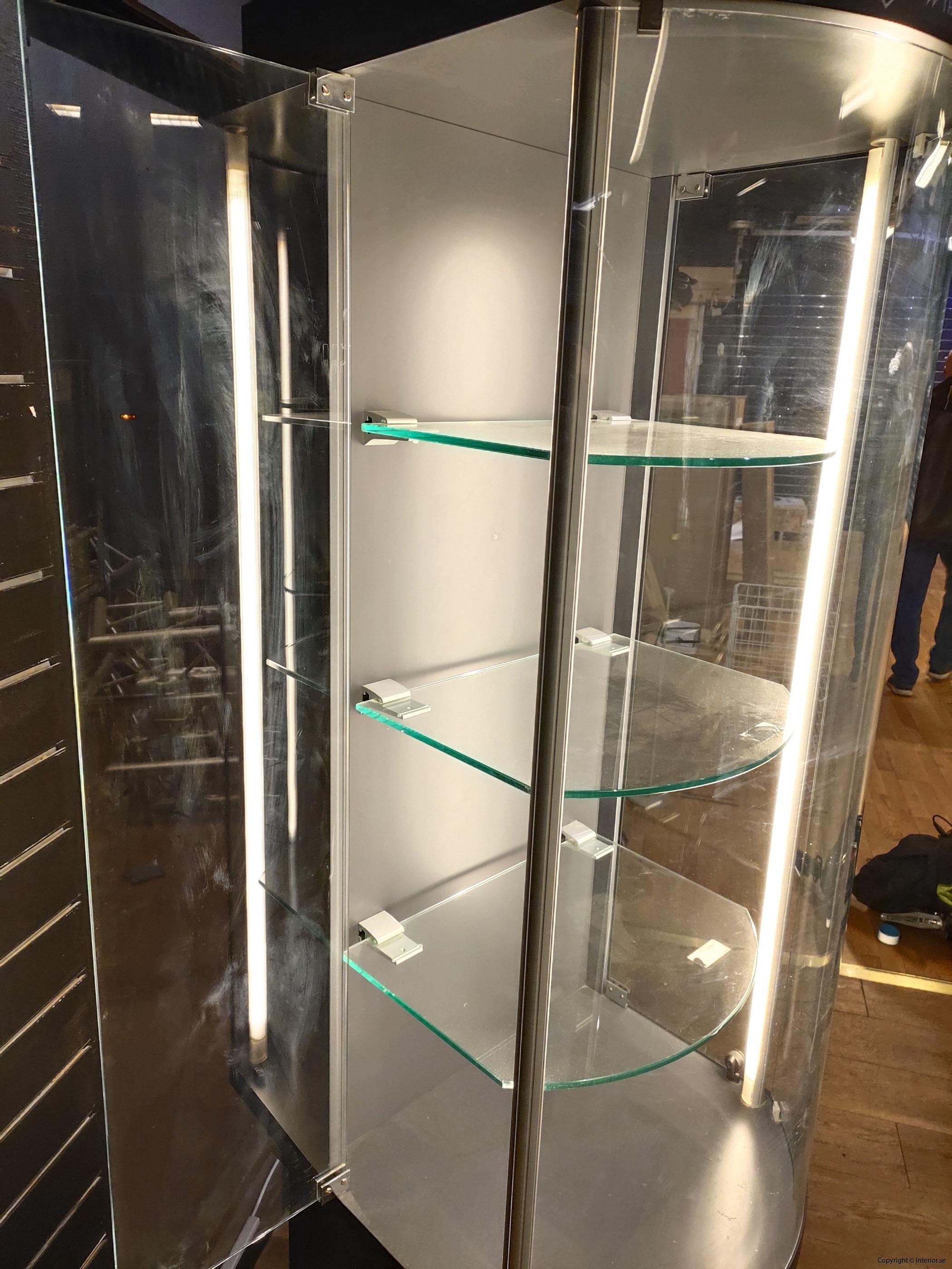 Hyr glasmonter till mässa (2)