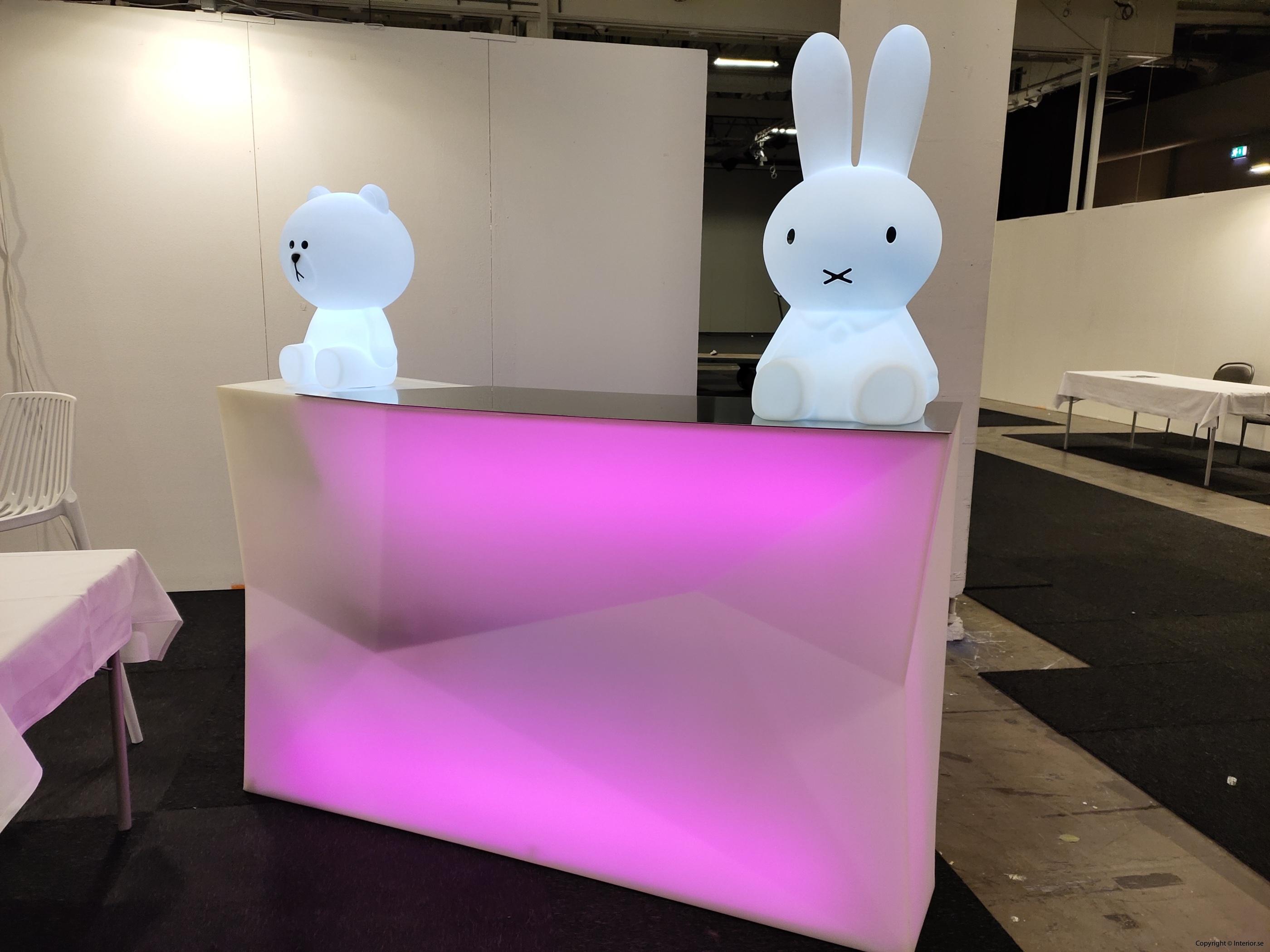 Hyra eventmöbler Stockholm event bardisk LED