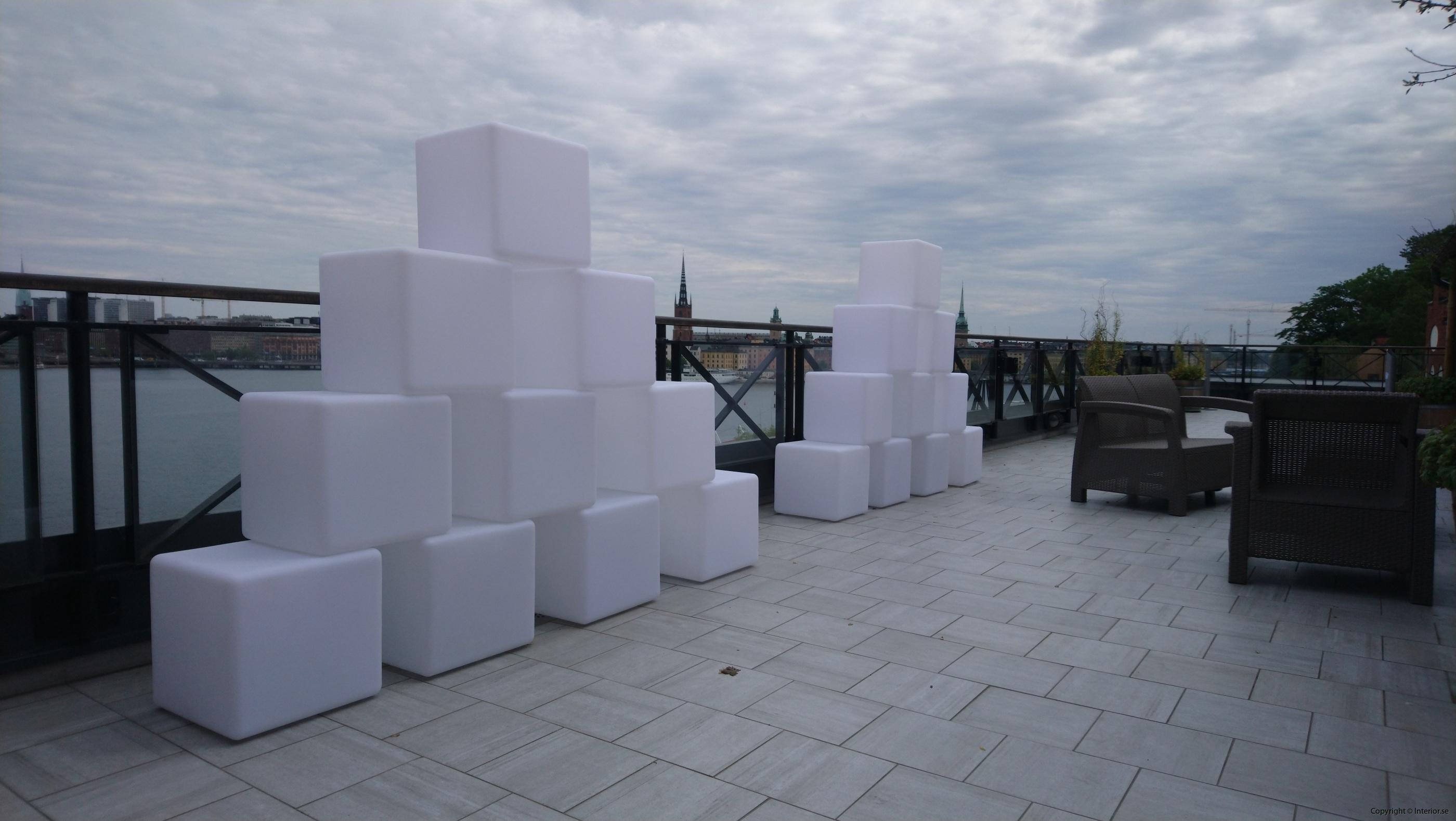 Hyra LED kuber  Pallar 40 x 40 cm - RGB LED hyra möbler event stockholm (3)