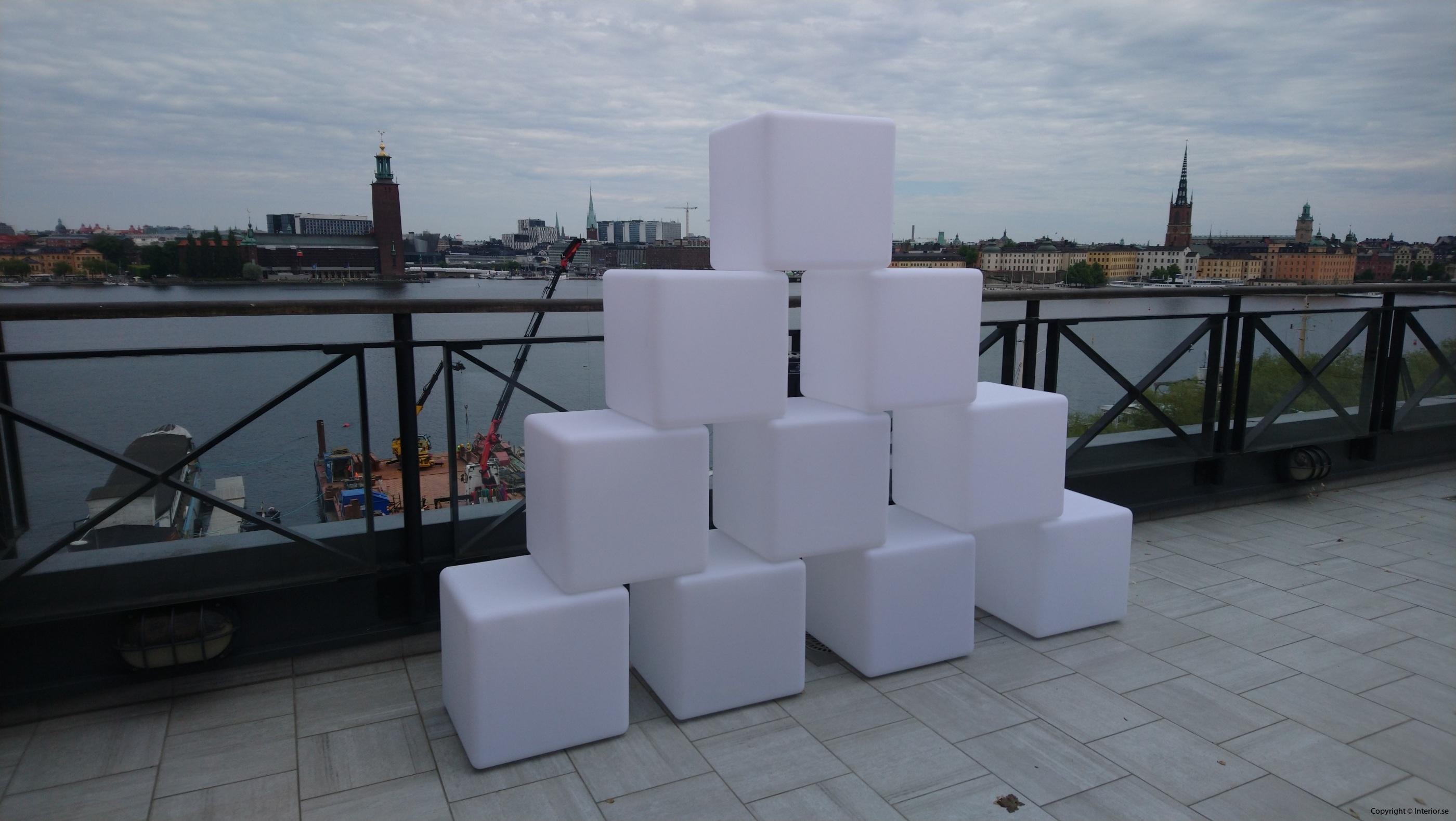 Hyra LED kuber  Pallar 40 x 40 cm - RGB LED hyra möbler event stockholm