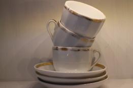 Kaffekoppar med fat.