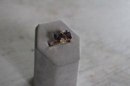 Guldring med ametister