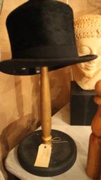 Hög hatt