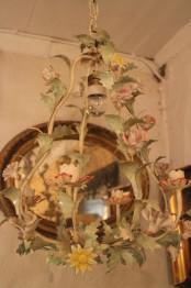 Blomsterkrona med porslinsblomster