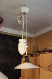 Lampa med porslinshiss