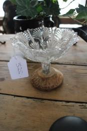 Glasskål med träfot