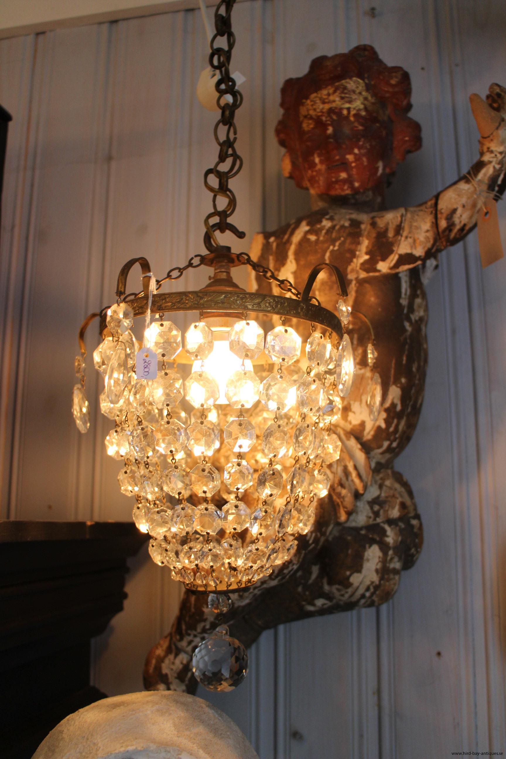 fransk prisme ljuskrona nätt antik gammal